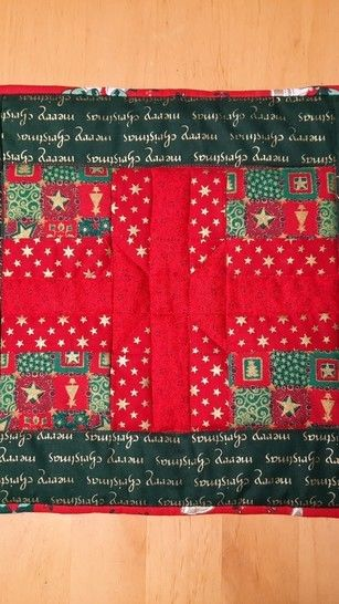 Christmas table mats  set of four PDF quilt pattern PRESENTS