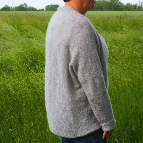 Chilly - a cardigan knitted sideways.