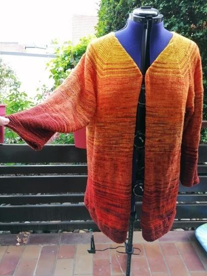 Emilies Dream - a cardigan knitted from the top with fading.