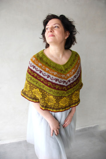 In Autumn Beauty poncho