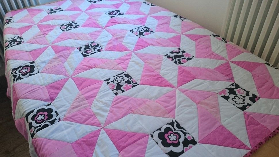 Single bed quilt PDF quilt pattern FUNKY FLOWERS