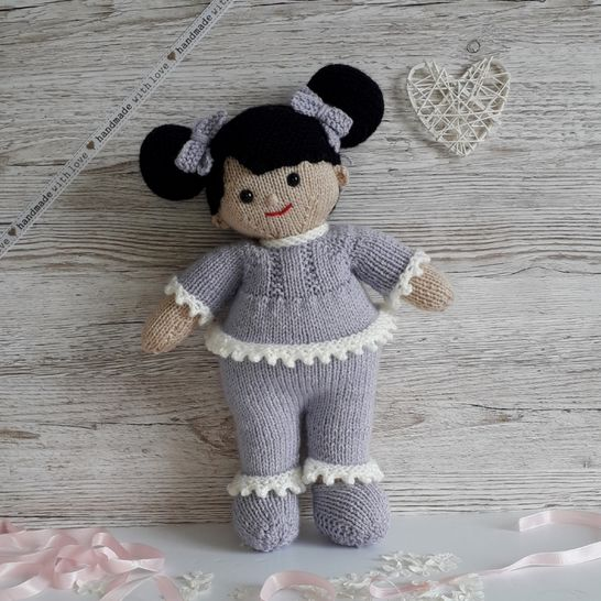 Sweet dreams Lilly and May dolls knitting pattern