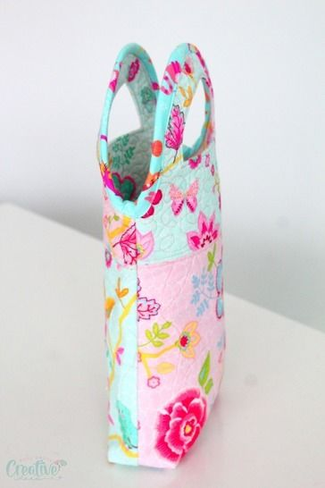 Quilted hand bag sewing pattern