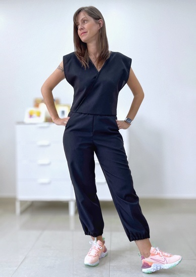 Women jumpsuit with pockets sewing pattern