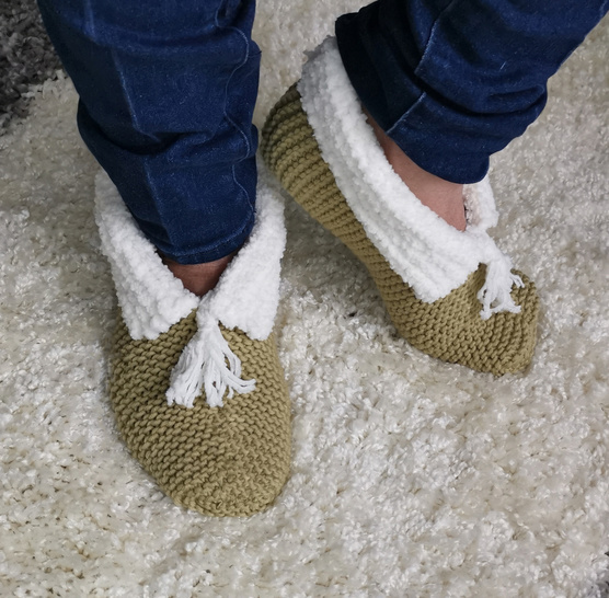Cosy Beginners Slipper Bed Socks  S,  M and L