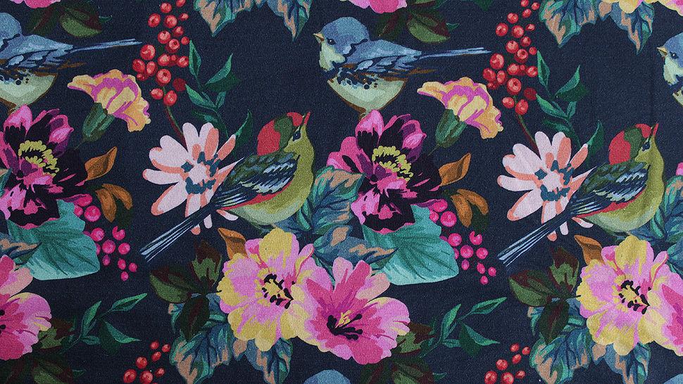 Dunkelblau bedruckter Baumwolljersey: Paradise Birds - 150 cm im Makerist Materialshop - Bild 4