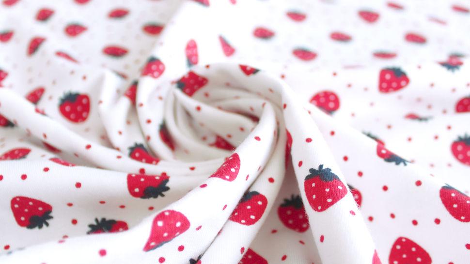 Jersey coton imprimé fraises sur fond blanc Avalana - 162 cm dans la mercerie Makerist - Image 4