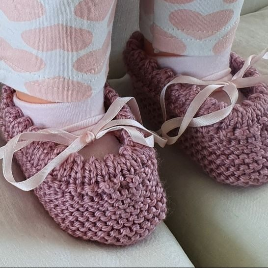 Garter stitch baby shoes with a picot edge - Lisa at Makerist - Image 1