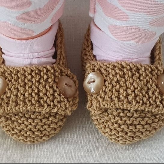 8ply baby shoes with buttoned foot strap - Nadia at Makerist - Image 1
