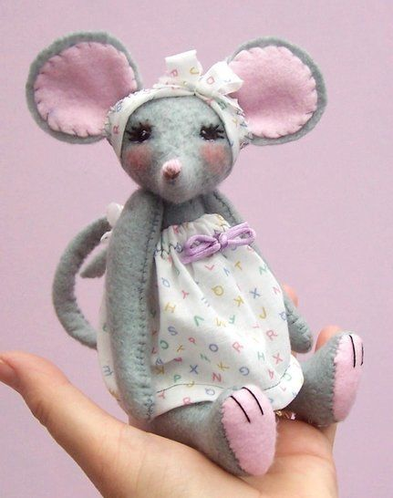 Miss Stitch soft toy mouse sewing pattern at Makerist - Image 1