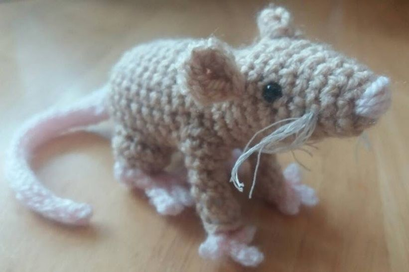 Amigurumi mouse crochet pattern at Makerist - Image 1