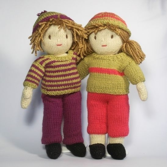 Jesse and Josie dolls knitting pattern at Makerist - Image 1
