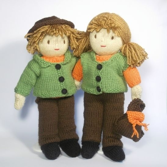 Jesse and Josie Dolls -Go Exploring- Knitting Pattern at Makerist - Image 1