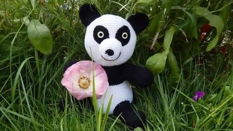 Häkelanleitung Panda Bär bei Makerist