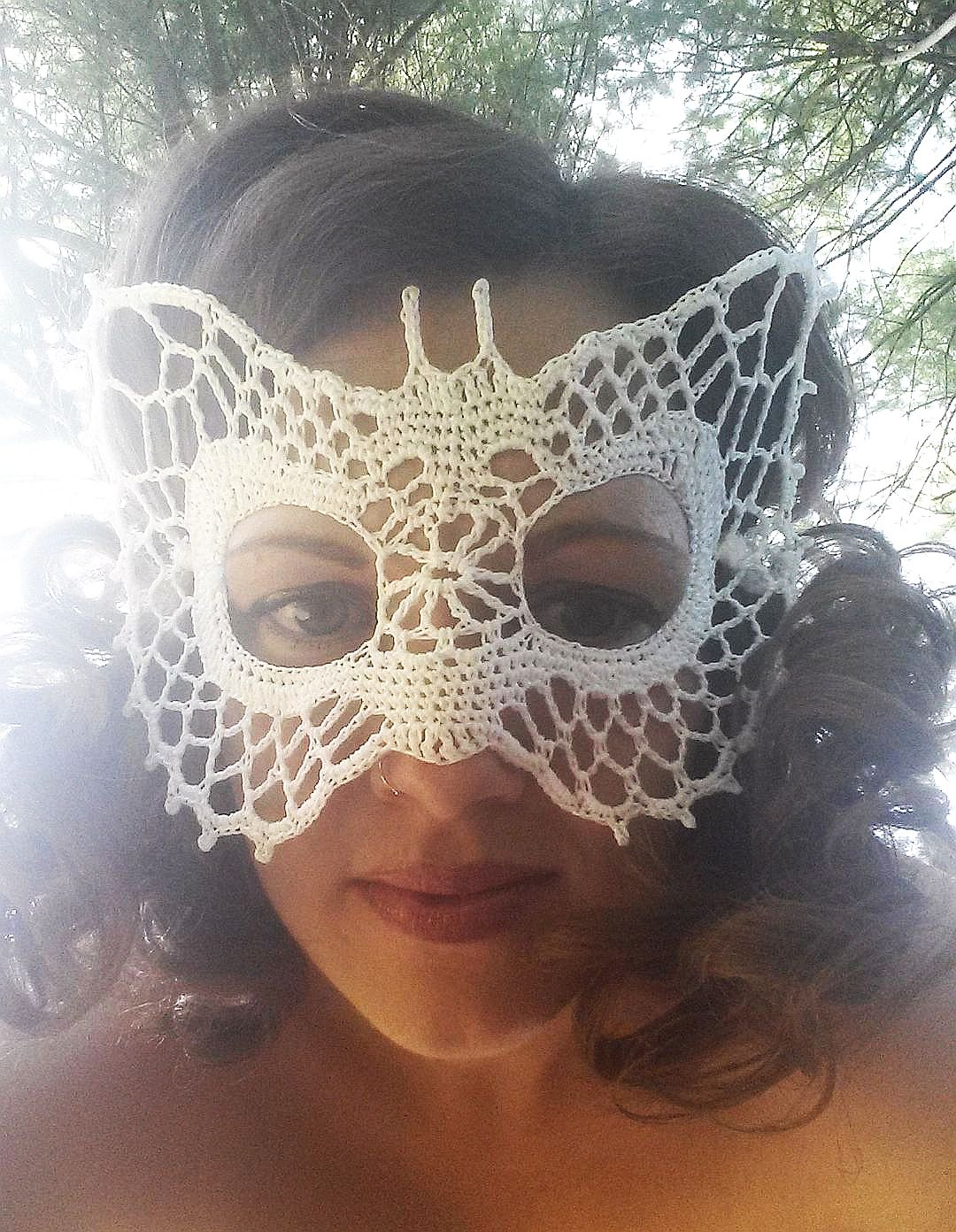 Butterfly Lace Masquerade Mask (dress up or photo prop)- crochet pattern