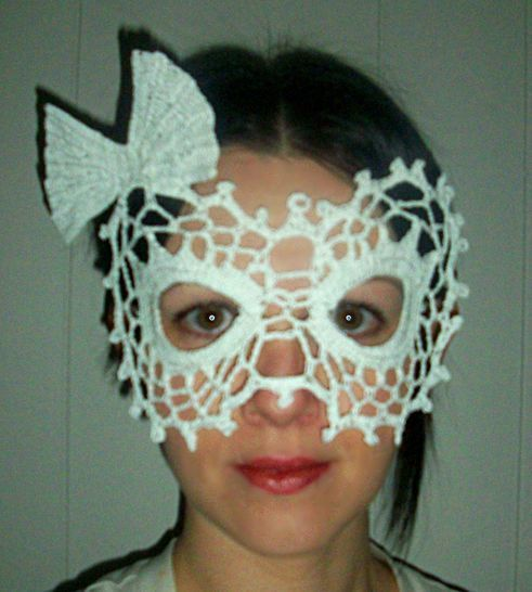 Lady Bow Lace Masquerade Mask (dress up or photo prop)- crochet pattern at Makerist - Image 1