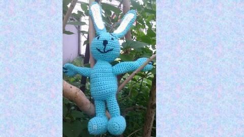 Häkelanleitung blauer Hase bei Makerist