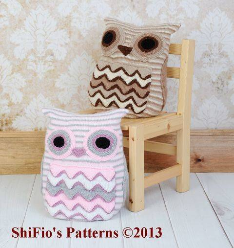 KP239 Owl Cushion Knitting Pattern #239