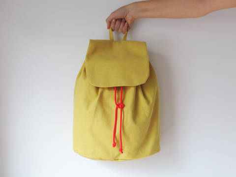 Simple no-hardware backpack No.3 at Makerist