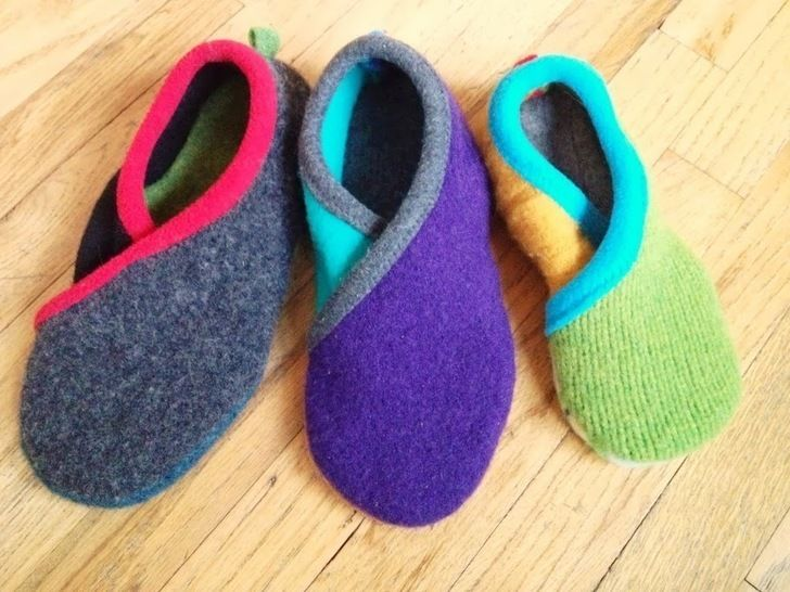 Upcycled Sweater Slippers - CROSSOVER - PDF Sewing Pattern at Makerist - Image 1