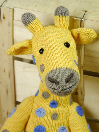 AMANI THE GIRAFFE knitting pattern at Makerist - Image 1