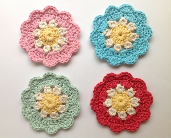 Daisy Coasters - Crochet Pattern at Makerist - Image 1