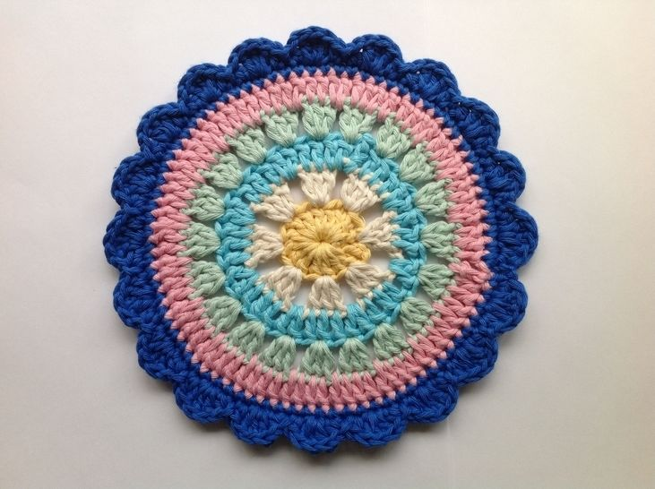 Daisy Flower Mandala - Crochet Pattern at Makerist - Image 1