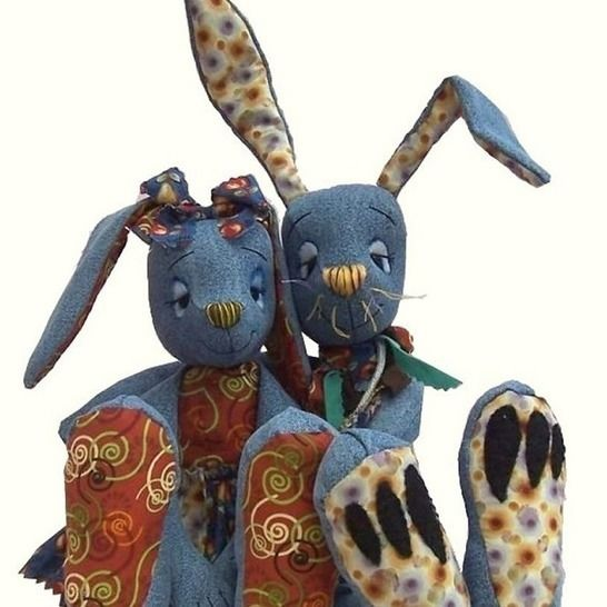 Raggedy Rabbit soft toy sewing pattern - recycle denims at Makerist - Image 1