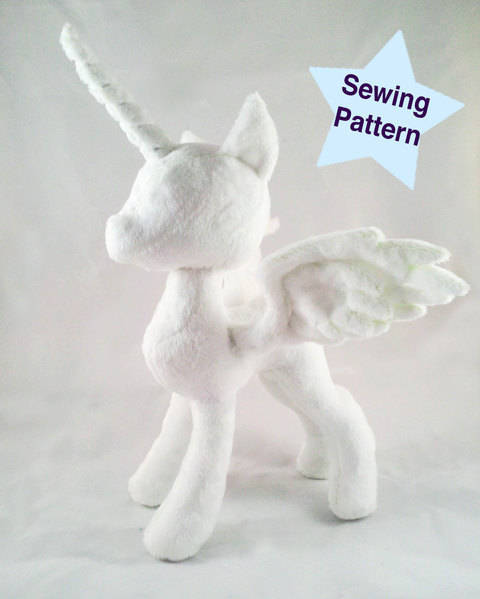 Alicorn Pony Princess Plushie Pattern at Makerist