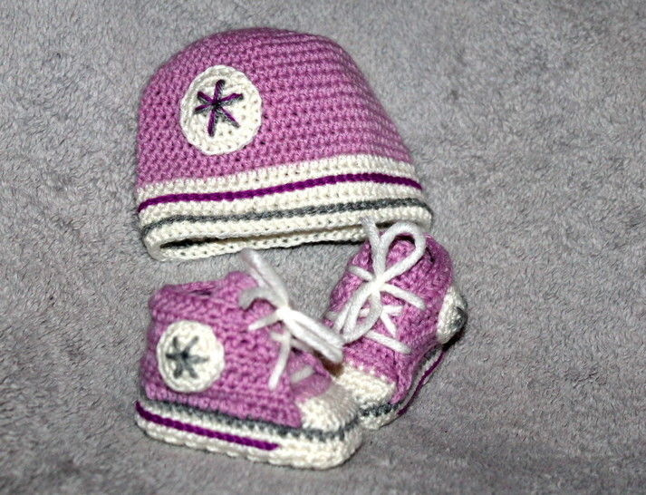 new born set sneakers and cap crochet pattern at Makerist - Image 1