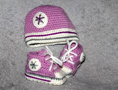 new born set sneakers and cap crochet pattern