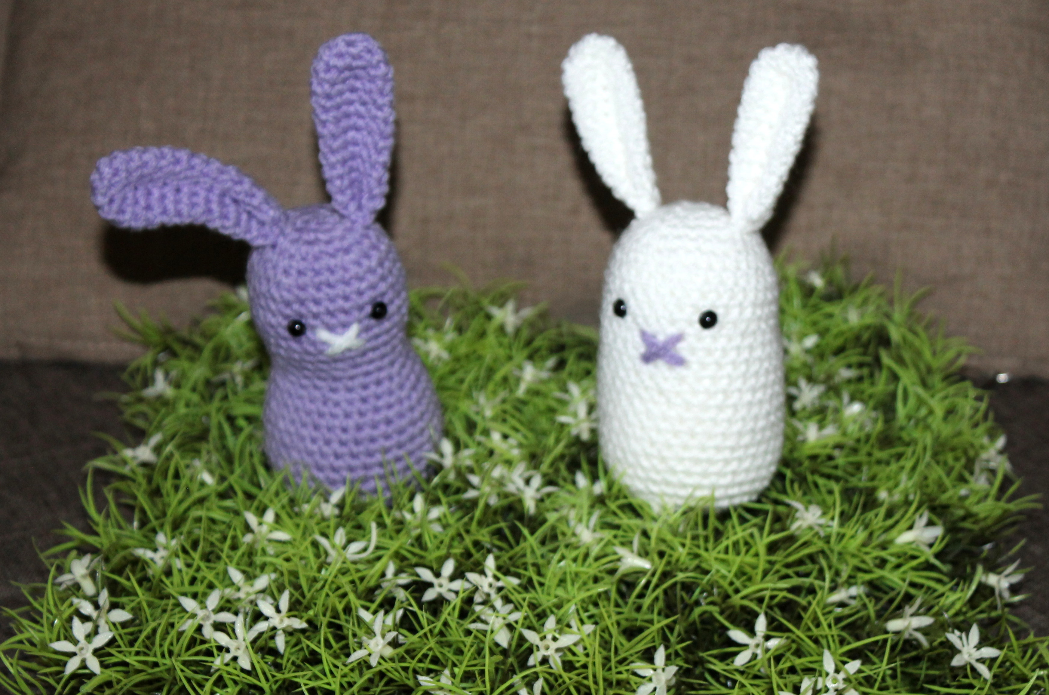 white and purple simple easter bunny crochet pattern