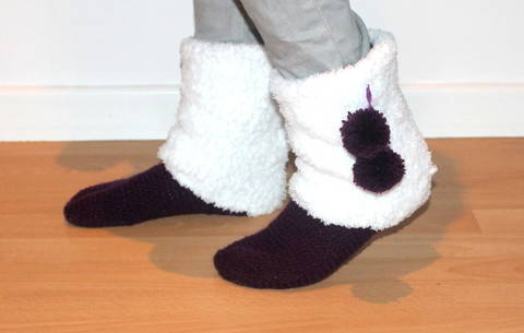 crochet pattern Moonboots UK sizes 2- 8 and US sizes 4- 10