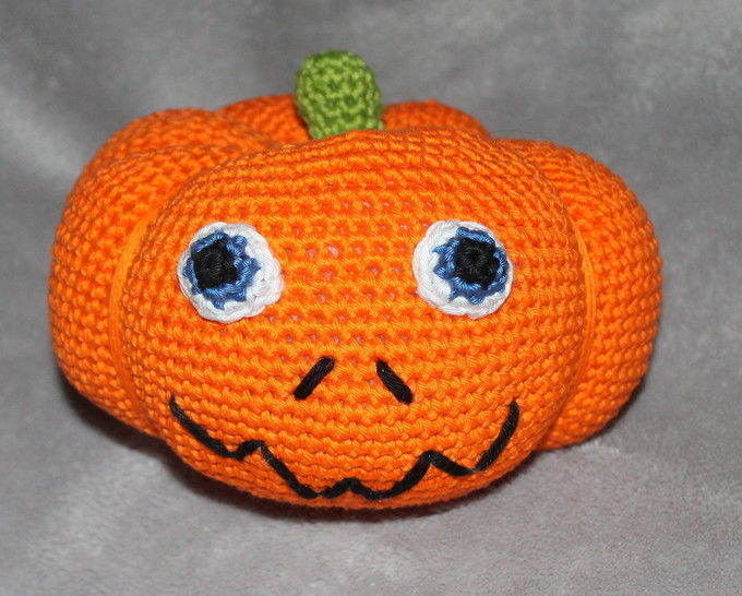 ebook pumpkin in four different sizes crochet pattern at Makerist - Image 1