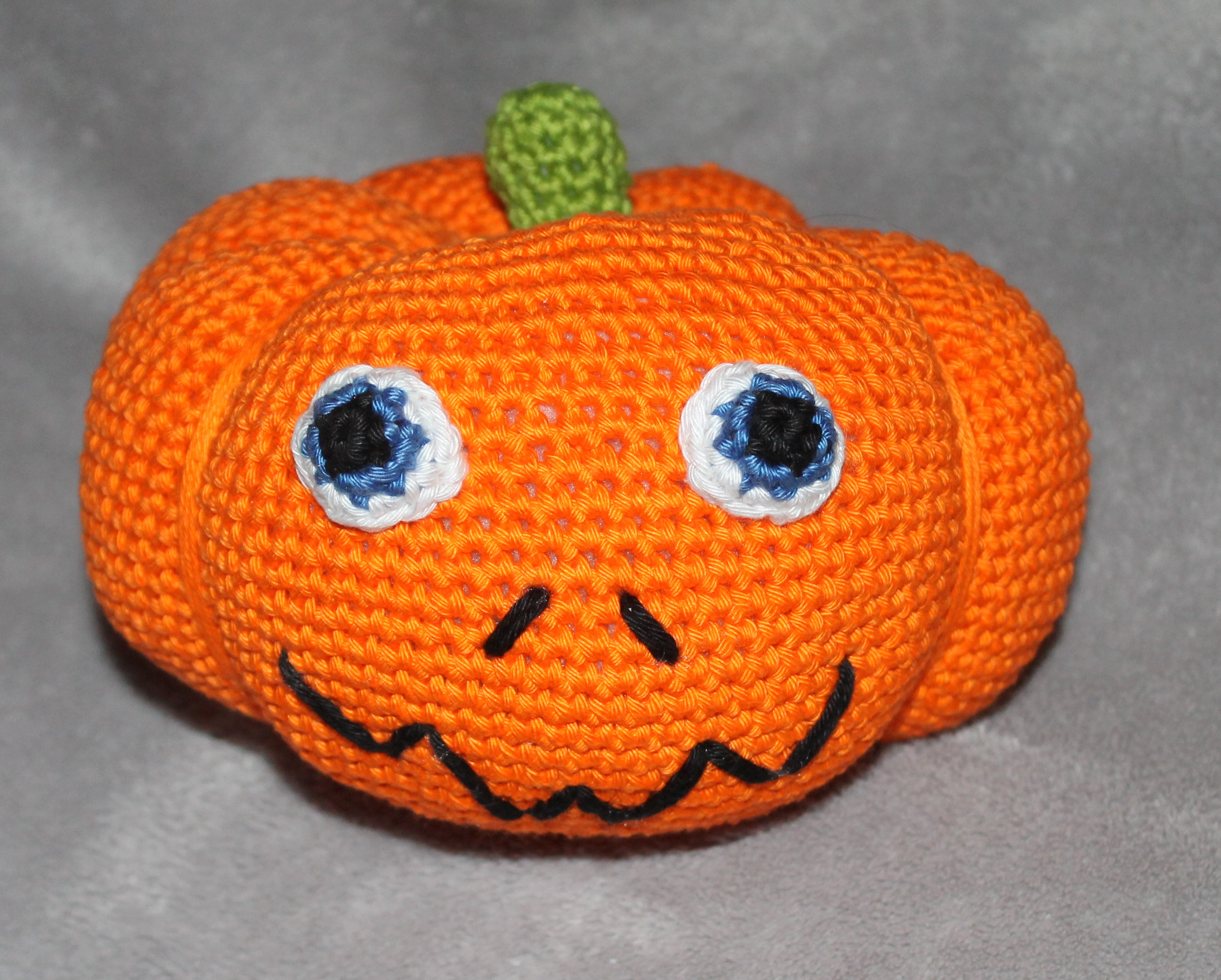 ebook pumpkin in four different sizes crochet pattern