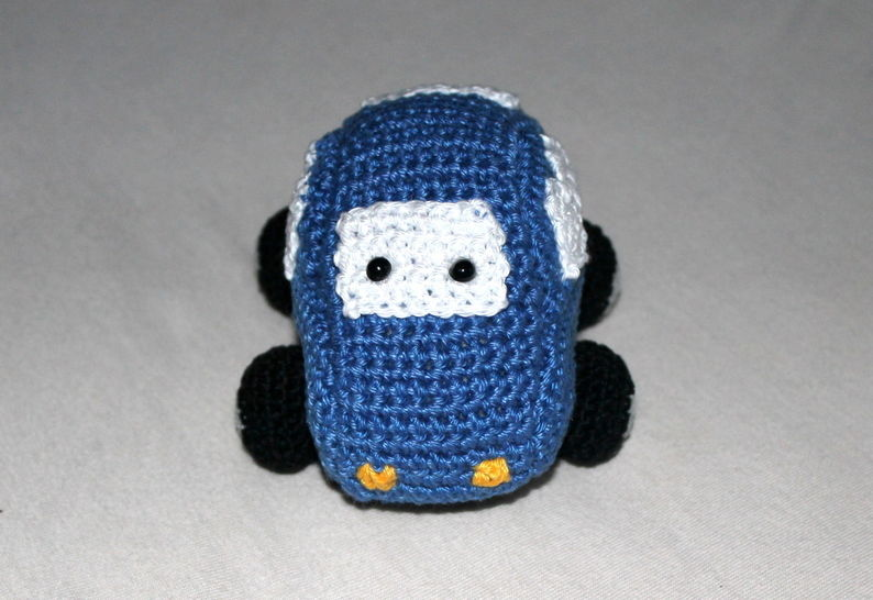 rattle grab toy car crochet pattern at Makerist - Image 1