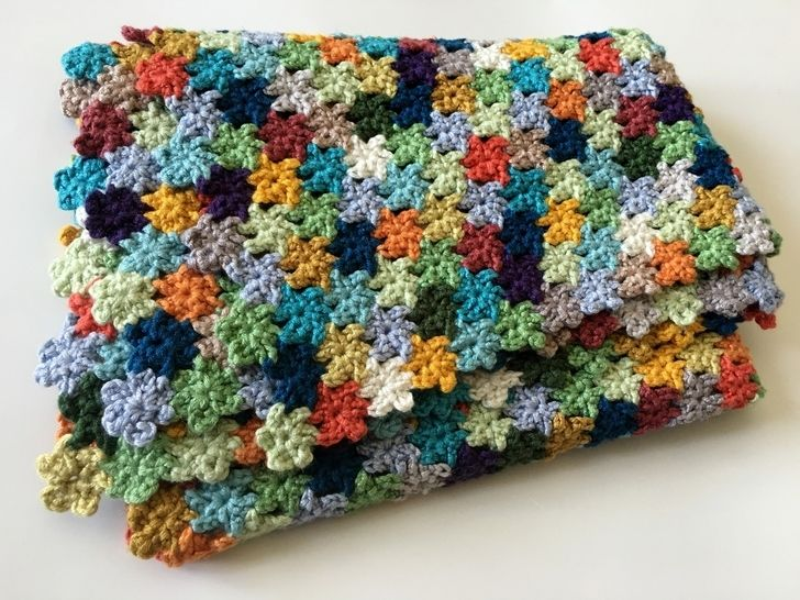 Crochet Flower Baby Blanket Pattern (Luckiest-Baby-in-the-World's Blanket) at Makerist - Image 1