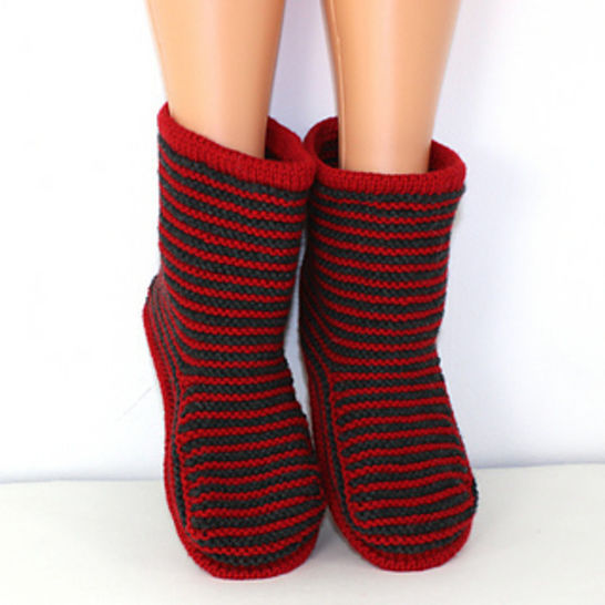 FREE Cloudborn Fibers Adult Stripe Boots at Makerist - Image 1
