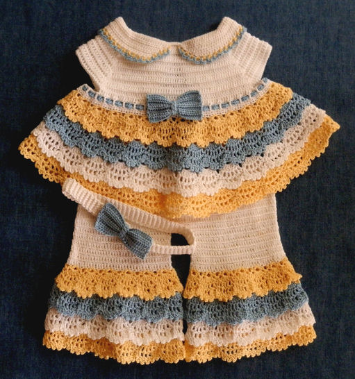 Angel Top, Bell Bottom Pants and Headband Crochet Pattern 0-3 mo at Makerist - Image 1