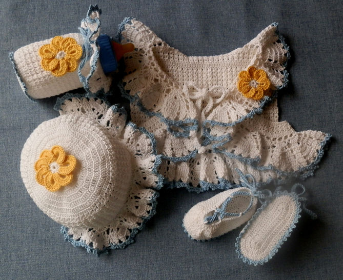 Baby Girl Lacy Topper w/Bonnet Shoes Bottle Cover Crochet Pattern at Makerist - Image 1