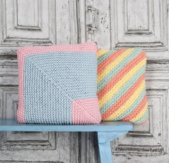 Candy Coloured Cushions at Makerist - Image 1