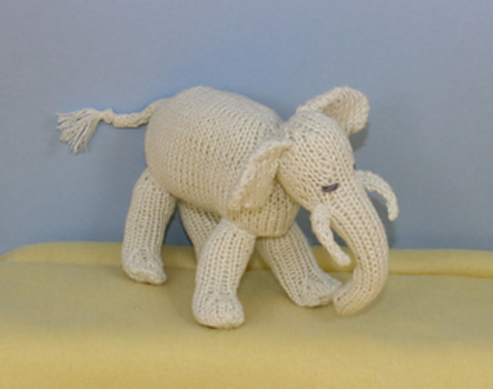 Baby Elephant Toy at Makerist - Image 1