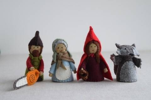 Red Riding Hood sewing pattern playset: Red Riding Hood, Grandma, Wolf and Woodsman/Woodswoman Finger Puppet sewing patterns at Makerist