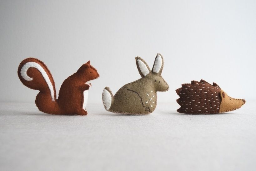 Woodland animal playset sewing pattern – DIY embroidery sewing pattern for rabbit, squirrel and hedgehog softies – soft toy tutorial at Makerist - Image 1