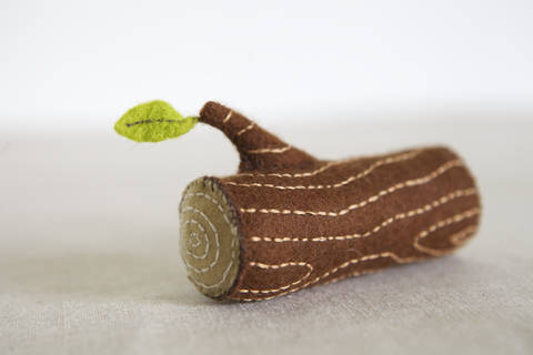 Log Sewing Pattern – DIY embroidery sewing pattern for log soft toy – wood branch soft toy tutorial at Makerist