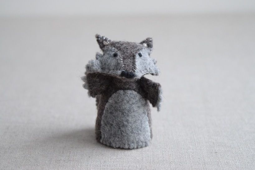 The Wolf - Finger Puppet Sewing Pattern - DIY Mini plushie pattern for felt Wolf from Red Riding Hood Soft Toy at Makerist - Image 1