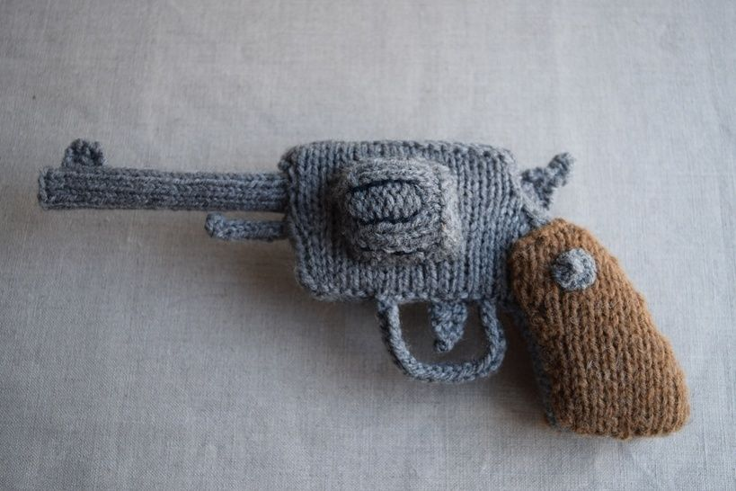 Knitted Revolver PDF Pattern - Knitting pattern for a gun at Makerist - Image 1