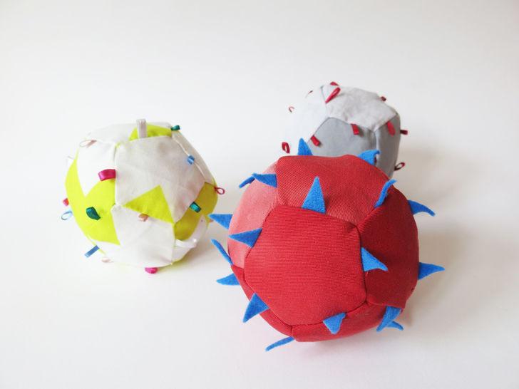 Baby Spielzeug Rasselball Greifling bei Makerist - Bild 1