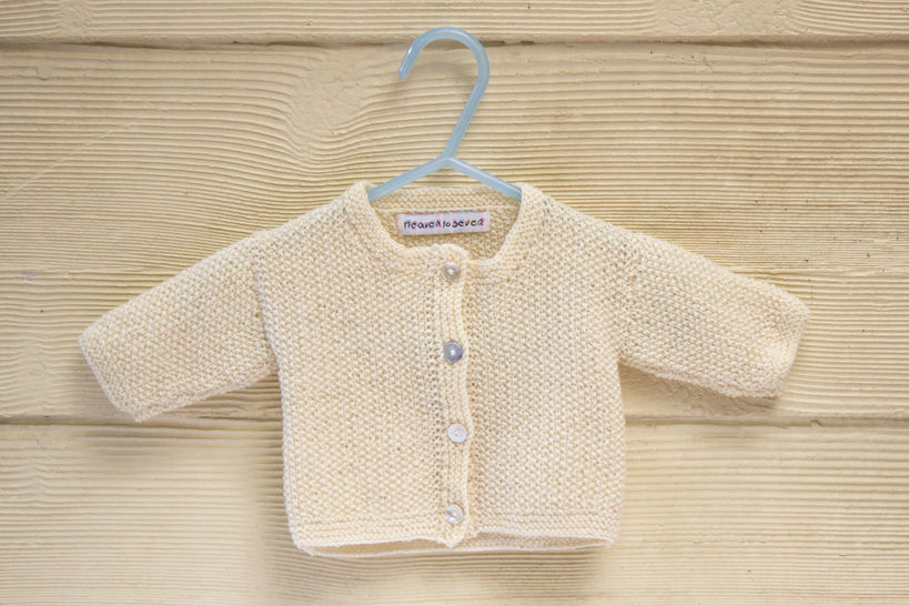 KNITTING PATTERN , Baby Cardigan with Button Closure, Essential Classic Moss Stitch In 4 Sizes at Makerist - Image 1