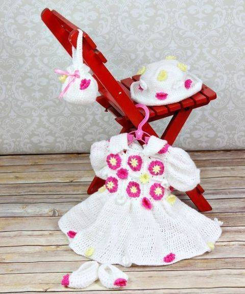 CP52 Easter Sunday Dress, Bag, Shoes & Sun Hat Crochet Pattern #52 at Makerist